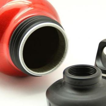 Бутылка Sigg WMB Traveller (1,5 литра), красная