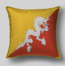 Подушка с флагом Бутана